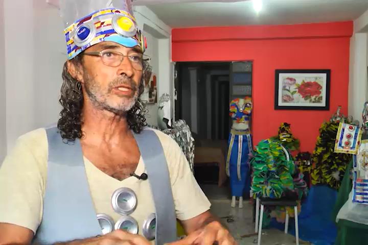 Confecção de glitter e confetes de carnaval com produtos sustentáveis